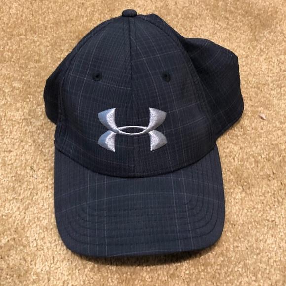 95baae9e7c0 Under Armour Golf Hat. M 5ae8ed27b7f72be70e23b50b